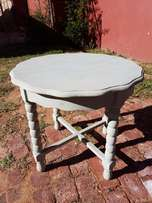 Painted Round Table J 2723