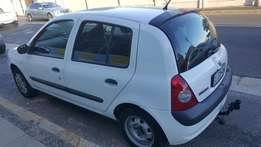 2003 Renault Clio 1.2 (16V) R37 000.00 Selling with Road Worth