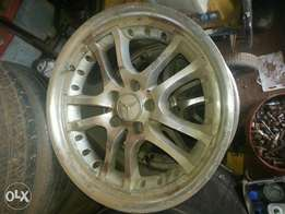 Alloy rims 18 inch for sale 50k