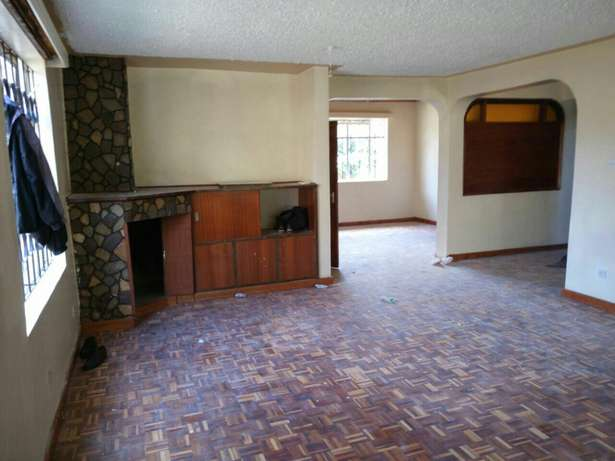 Spacious 5Bedroom Double Storey House in Mountain View Estate 150K Westlands - image 5