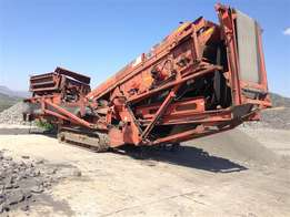 Used 2003 Finley 683 12x5 mobile double deck screen for sale.