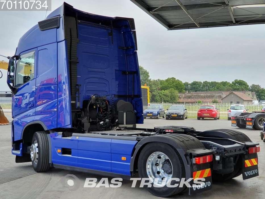 Volvo FH 460 4X2 Retarder I-ParkCool ACC Euro 6 - 2017 - image 2