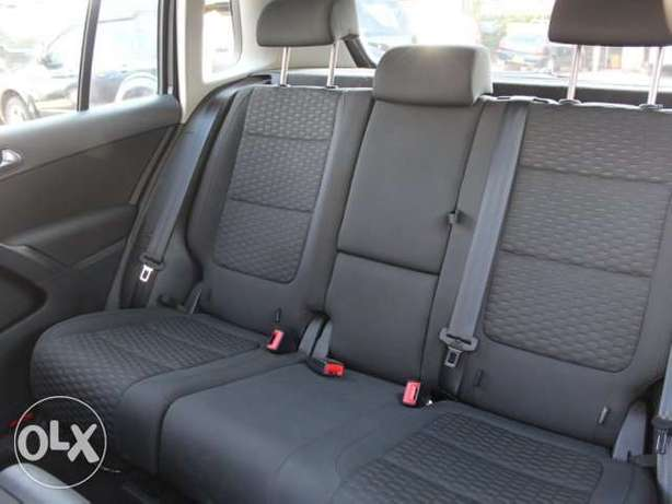 2010 VW Tiguan. Not used locally. Lavington - image 5