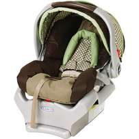 Graco SnugRide 32 Infant Car Seat and Baby Carrier. Made in US