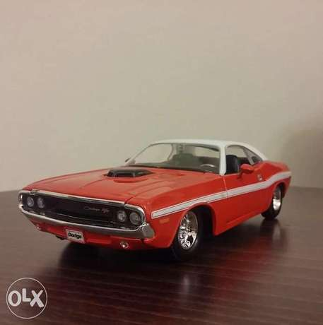 Challenger diecast car model 1:24