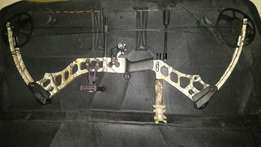 LEFT HAND Mathews Mission Riot Compound Bow
