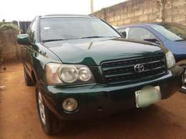 Neatly used Toyota Highlander in perfect condition