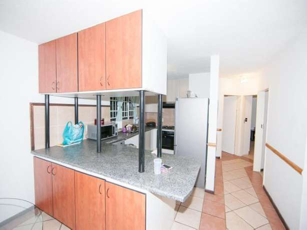 2 Bedroom Apartment / Flat to rent. Rivonia - image 4