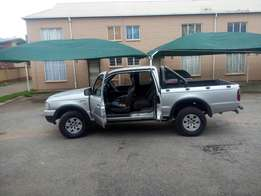 I'm selling this beautiful bakkie for a cheap price