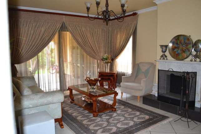 Home is were your story begins,this is a once in a lifetime opertunity Sunward Park - image 8