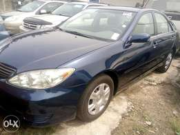 Toyota Camry 2005 blue tokunbo in excellent state