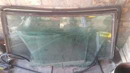 E39 window glass