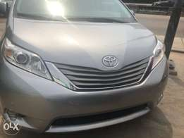 Extra neat cheap Tokunbor Toyota Sienna Xle