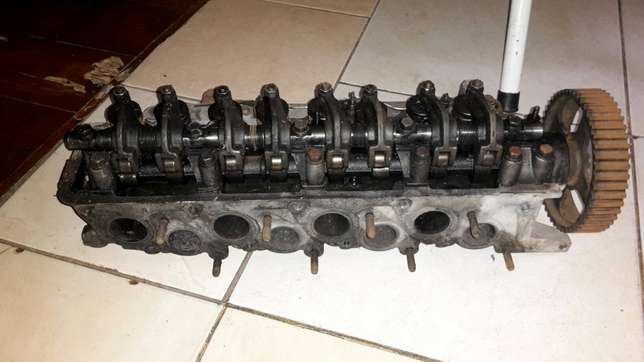 H100 cylinder head Moore Road - image 2