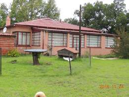 3 Bedroom house with 1 bedroom flat for sale in Warden Free state.