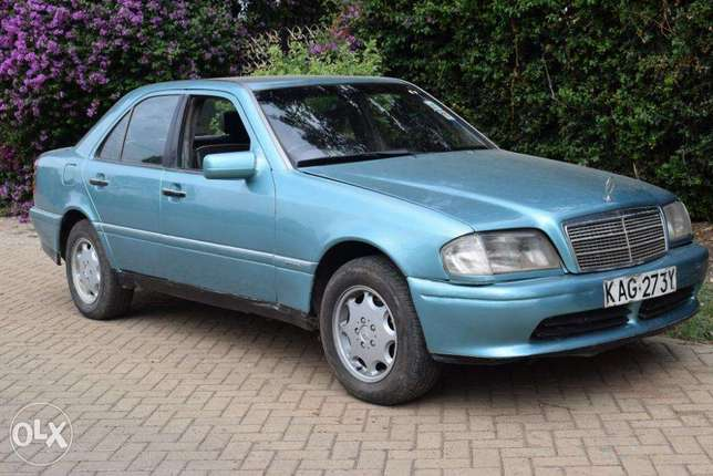Mercedes C180. 5 Speed. Neat. Quick Sale. View in Karen Karen - image 1
