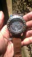 Keinaw Fasion Wrist Watch STILL In Good condition