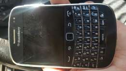 Blackberry bold 9900 for spares