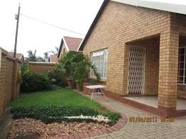 Townhouse in secured complex-Del Judor Ext.