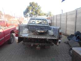 Colt Bakkie Strip to sell parts