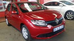 2015 Renault Sandero 900T Expression, 32 943km, for R119 990.00