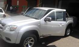 Mazda BT50 deisel grey in color 2010 model double cap 170000km R172000