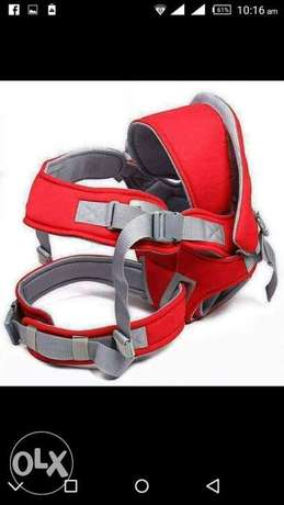 Red,navy blue tlblavk carrier Parklands - image 2