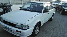 2000 model Neat an clean ford tracer