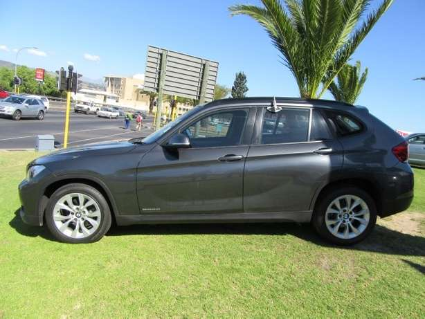 BMW x1 sDrive2.0i A/T-- Full agent service history Kuils River - image 2