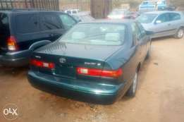 Toyota Camry tinylight metallic green