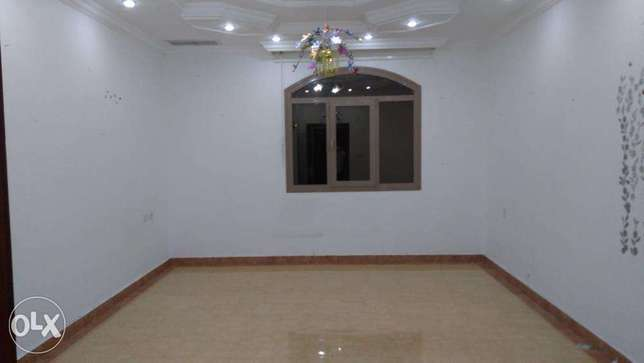 3 bedroom apt in egaila, near to the aum.