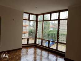 An elegant 3 bed apartment with an sq in Kileleshwa
