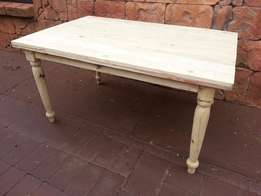6 Seater Solid Pine Farmstyle Table (1500x1000x760)