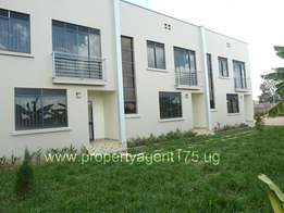 Well priced 3 bedroom double storied apartment to let in Najeera at 1m