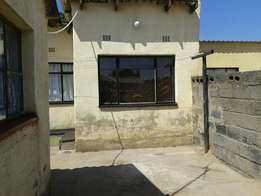 Rooms to rent in Soweto (Johannesburg)