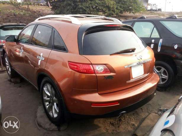 Foreign used 2005 infiniti fx35. Direct tokunbo Lagos Mainland - image 6