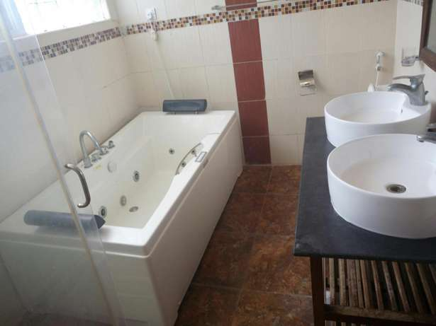 Classic furnished 4br villa all ensuite in nyali short distance to bch Nyali - image 2