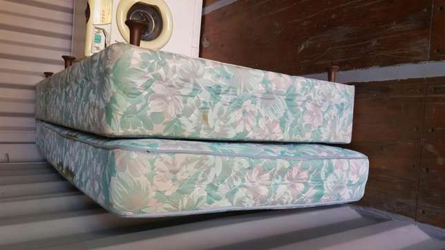 Bed and base 3/4 size Pretoria East - image 1