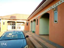 Self contained double rooms in bweyogerere at 250k