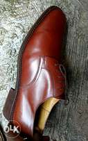 Brown leather corporate men's shoe