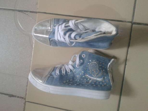 Fairly used Sneakers for female size 38 Dutse - image 5