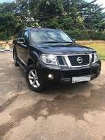 Nissan Navara 2010 Manual 2500cc.