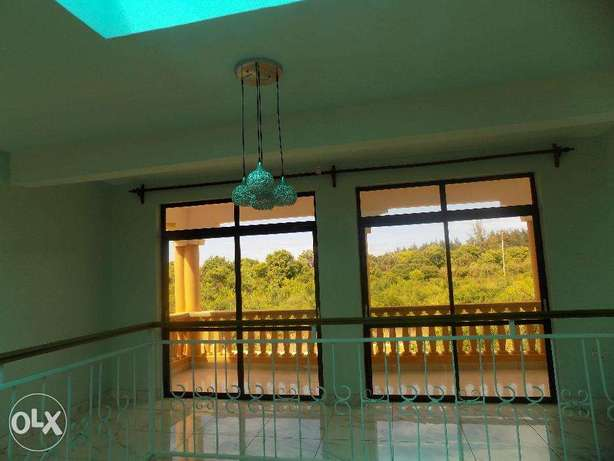 2 EXECUTIVE VILLA'S For Sale in Mtwapa at 90M. Mtwapa - image 8