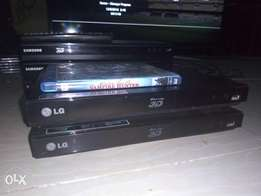 V.clean LG SMART 3D Blu-ray DVD player with internet & Free HDMI cable