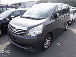 TOYOTA / NOAH CHASSIS # ZRR70-034 year 2010