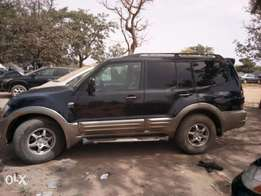 Clean Mitsubishi Montero SUV for sale in abuja
