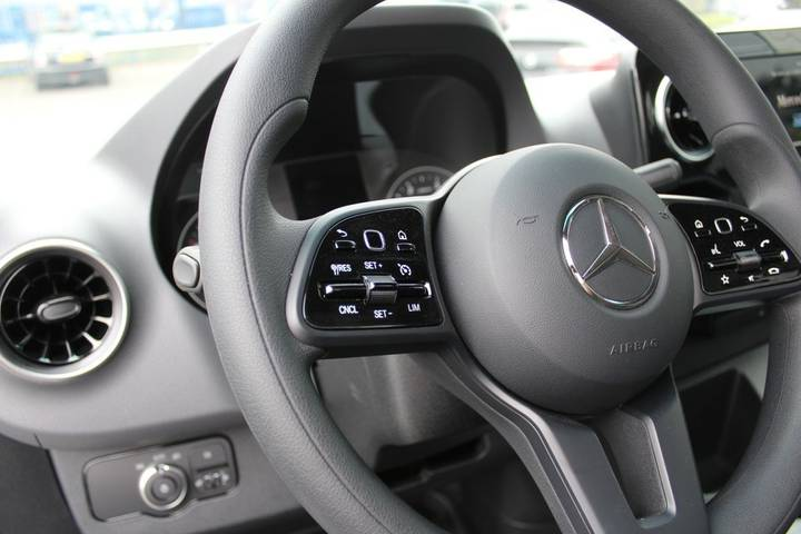 Mercedes-Benz Sprinter - 2018 - image 7