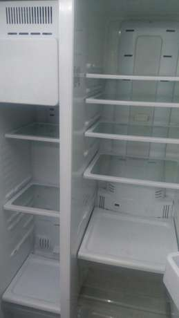Samsung twin door fridge Nairobi CBD - image 2
