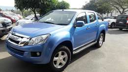 A Bargain 2013 Isuzu 2.5D KB250 D-Teq 4x4 LE with only 90000km