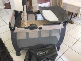 Graco campcot like new!